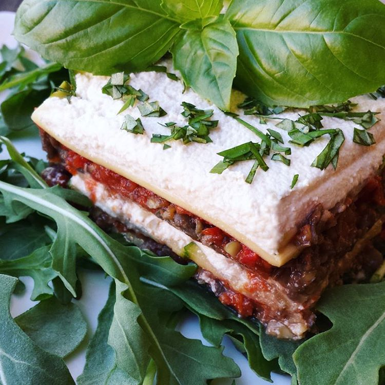 "Put the ""spring"" back in your step with a nutritious and #delicious twist on an old classic. This Lentil Lasagne is #dairyfree #grainfree and #sugarfree. Perfect for an uplifting #meatfreemonday #meatlessmonday This new recipe can be found on my website with the link in my profile.  Here's to a great start to the week! #mondaymotivation #veganlasagne #veganfoodshare #epjhealth #youthingfoods #cookyourselfyoung #bestofvegan"